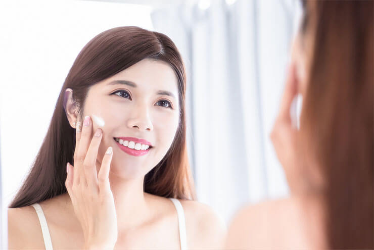 Seal moisture in the skin with cream